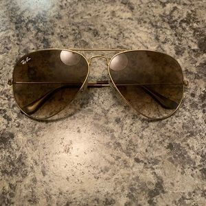 Gold aviator RAY BANS